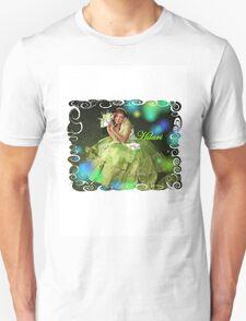 quincen'era BEAUTY HILARI Unisex T-Shirt