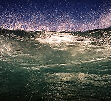Breaking Wave by glendram