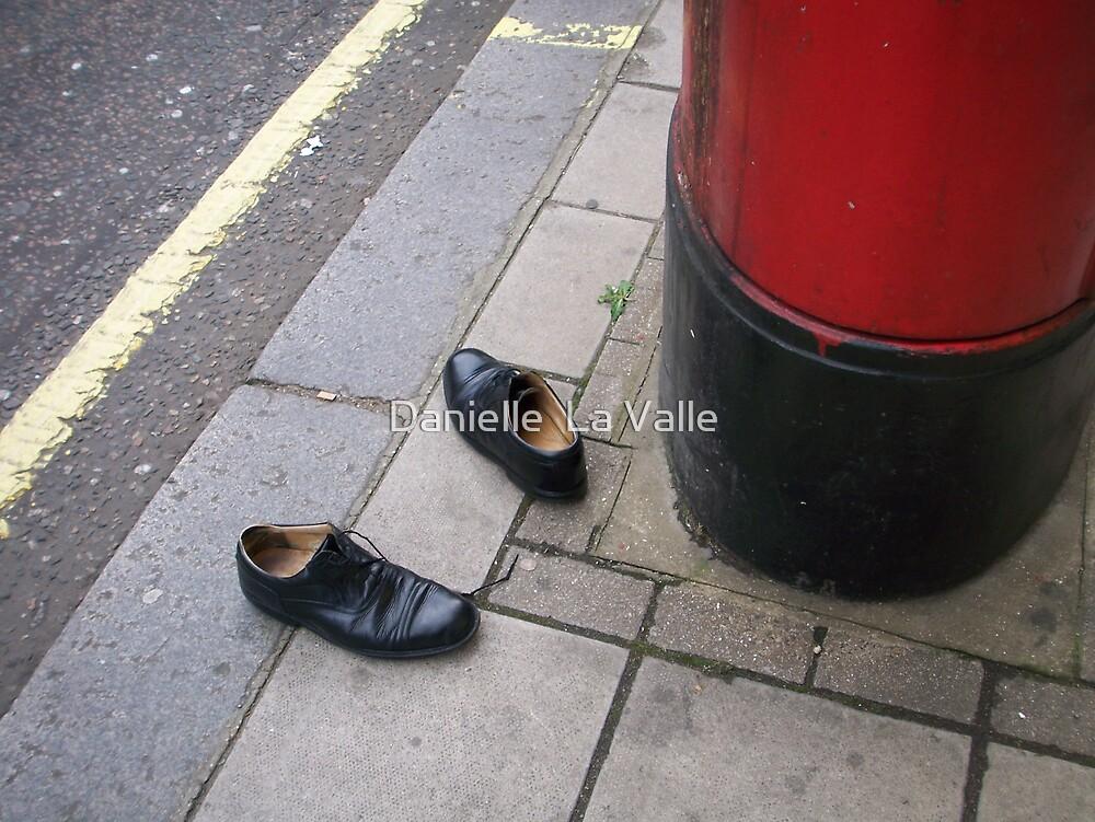 Shoe Mystery 1 by Danielle  La Valle