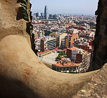 [barcelona] - ... the contrasts of the city by MeleahFoto
