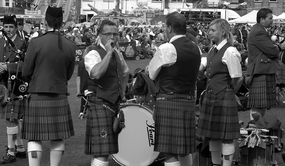 Huddle of Pipers by emjace