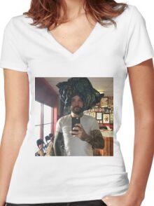 Jurban Women's Fitted V-Neck T-Shirt