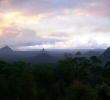 GlassHouse Mountians Australian Bush by gemqtpie