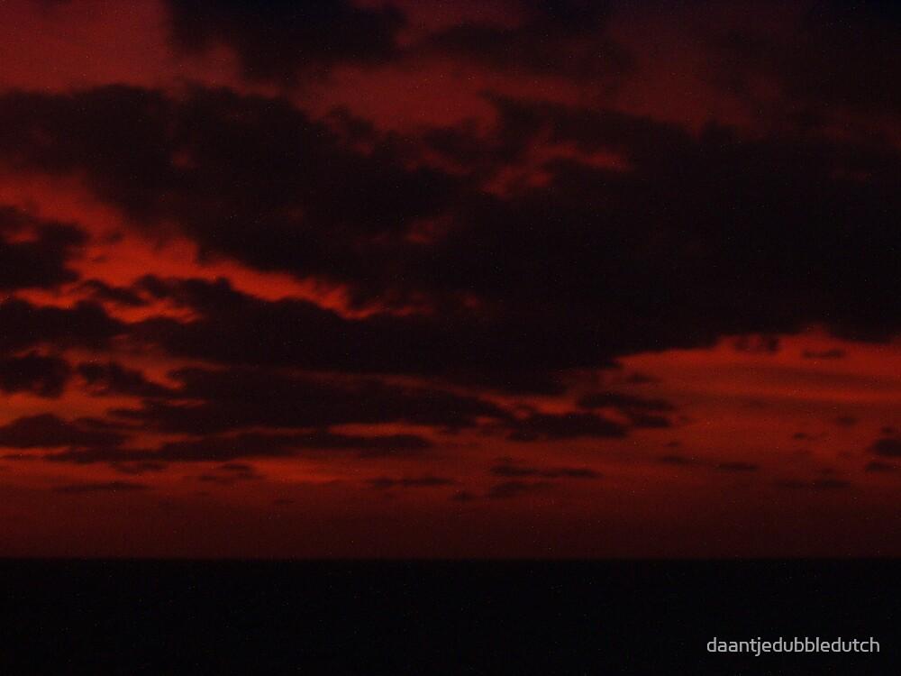 a dark sunset by daantjedubbledutch