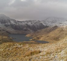 Snowdon in the clouds by simonj