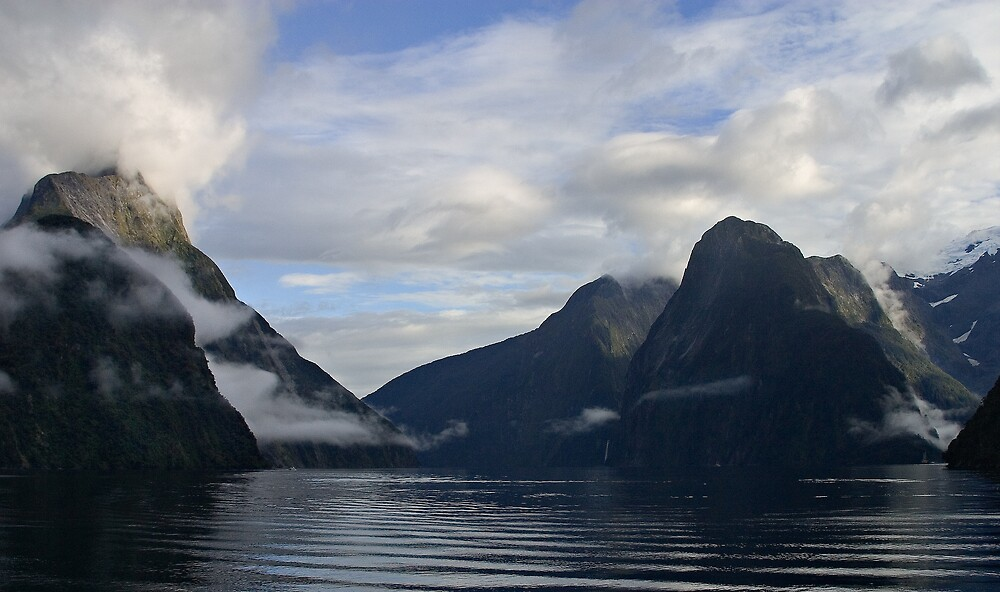 Milford Sound by RobYoung
