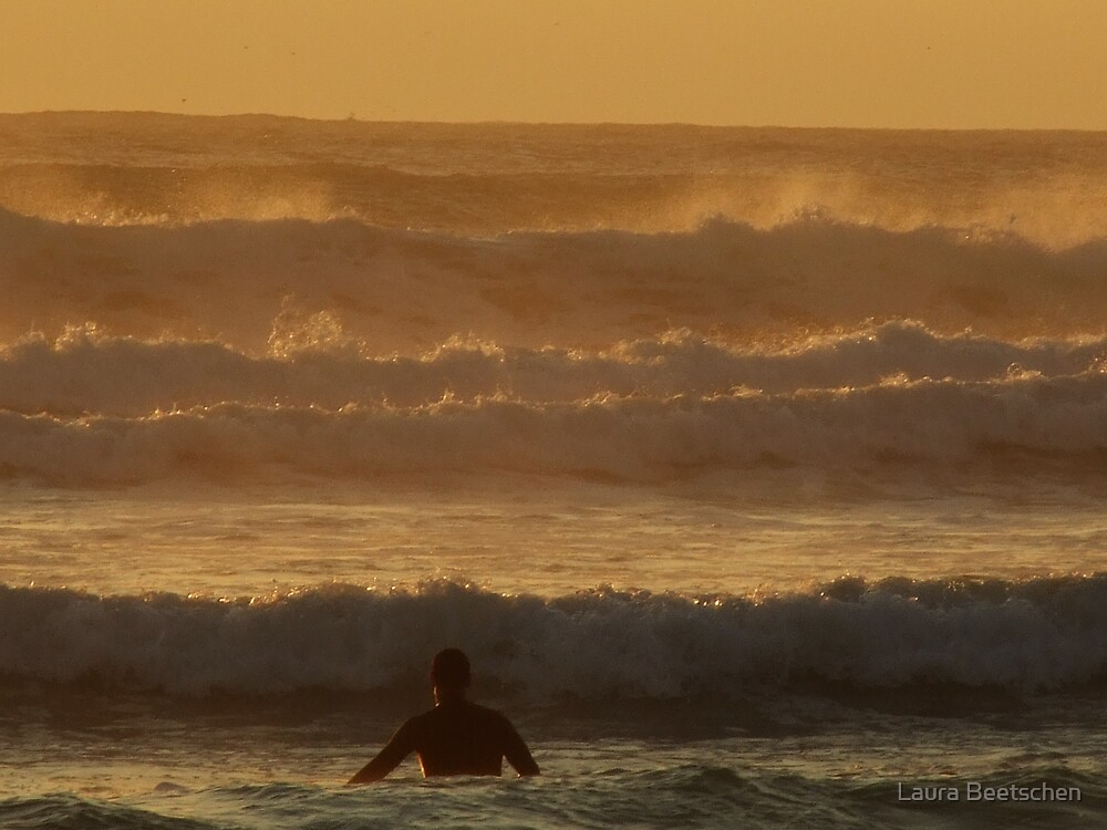 Evening surf by Laura Beetschen