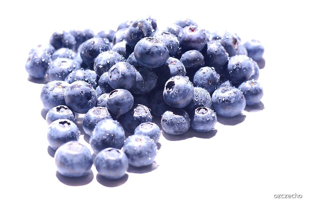 Blueberries by ozczecho