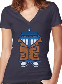 Fashionable Tard   Th Doctor Women's Fitted V-Neck T-Shirt