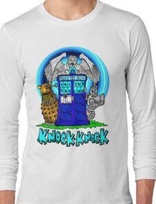 Doctor Who Knock Knock on the Tardis Long Sleeve T-Shirt