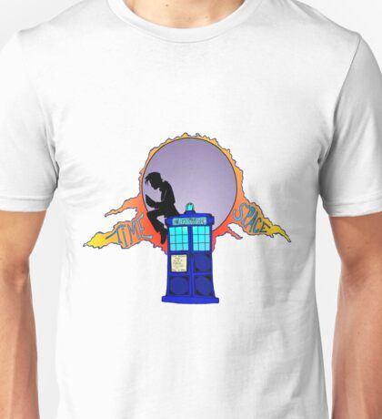 Doctor reading on the Tardis Unisex T-Shirt