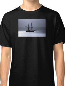 Tall Ship Royalist Mono Classic T-Shirt