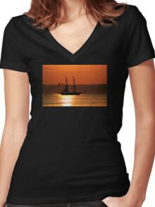 Tall Ship Royalist Women's Fitted V-Neck T-Shirt