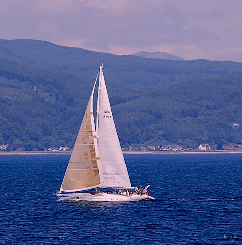 Sailing over the sea to Bute by kelek