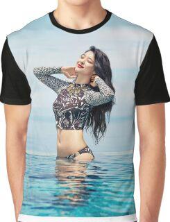 SULLI -F(x) Graphic T-Shirt