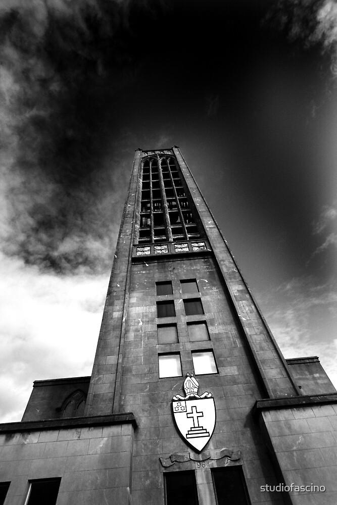looking up by studiofascino