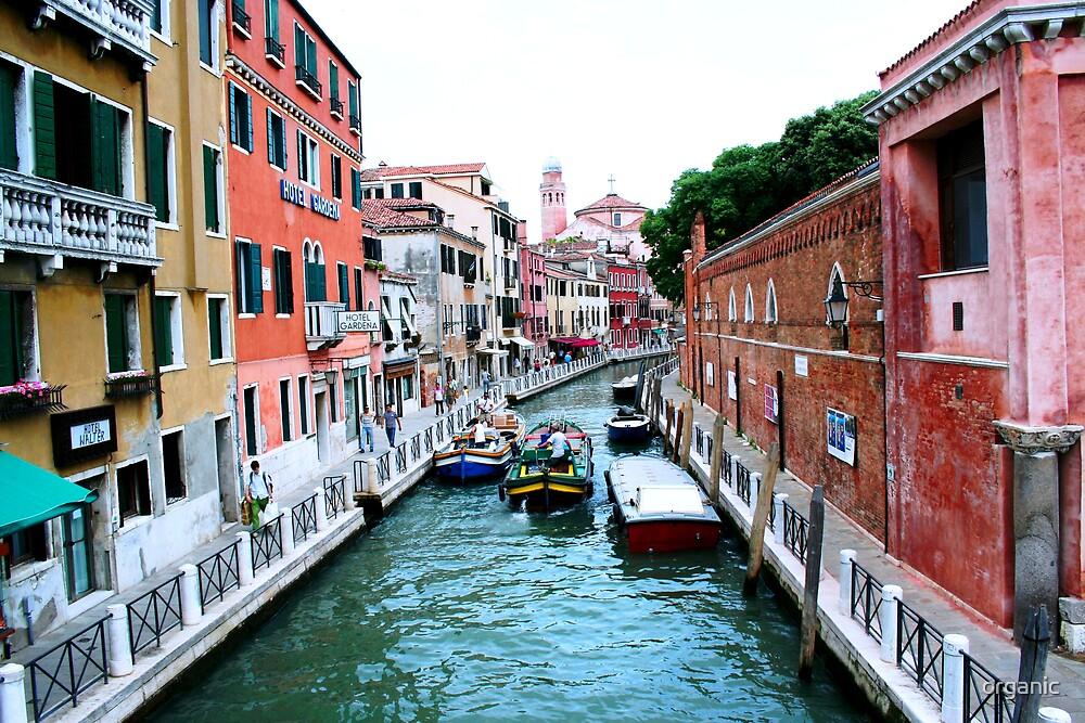 Burano/Italy by organic