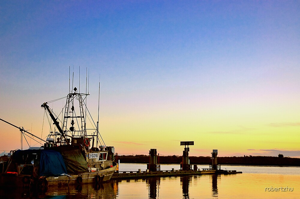 Dusk at Fisherman's Wharf by robertzhu
