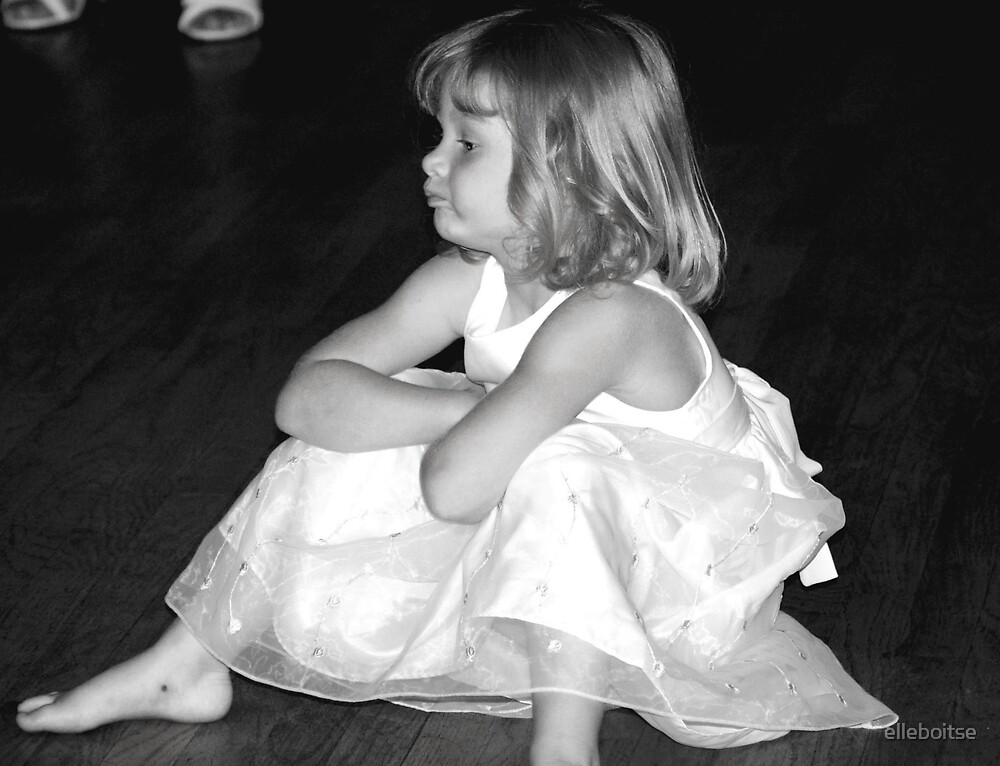 Tired dancer by elleboitse