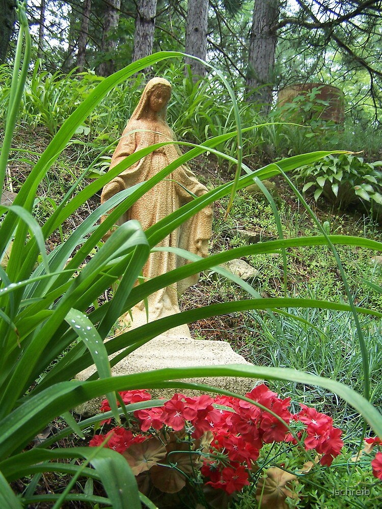 Statue of Mary by lschreib