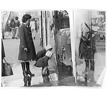 Collector, On the Way to M.Cartier Bresson Paris 1975 16 (b&n)(t) by Olao-Olavia par Okaio Création Poster