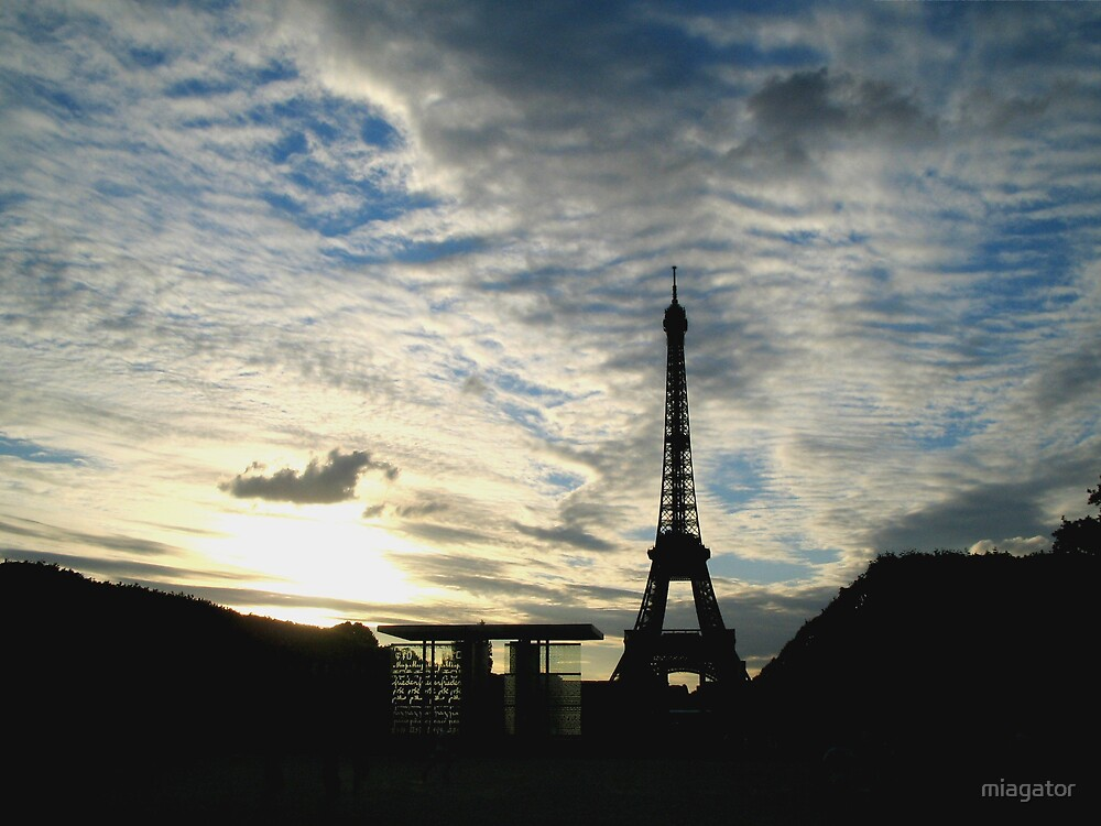 An Eiffel Tower Sunset :: Paris by miagator
