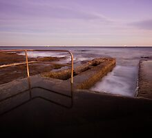 Newcastle Ocean Baths 6 by Mark Snelson