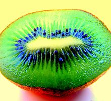 Kiwi Fruit by tonyphoto
