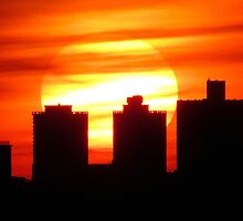 Sunset in New York City  by Alberto  DeJesus