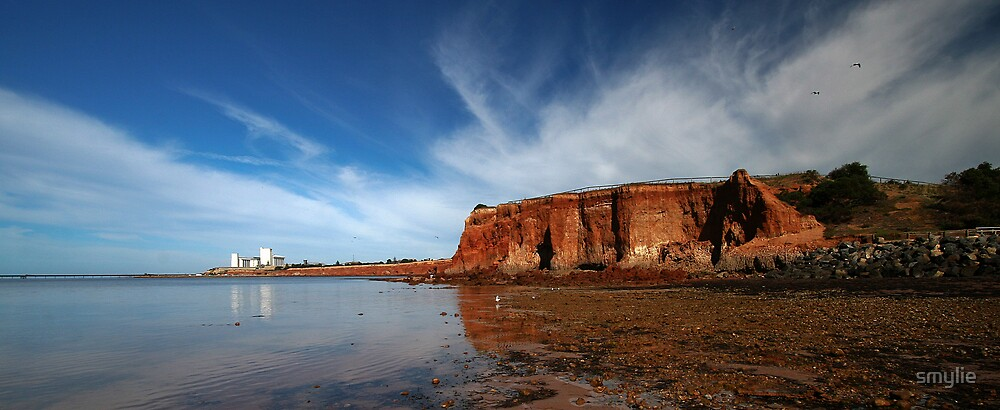 Ardrossan Cliffs by smylie