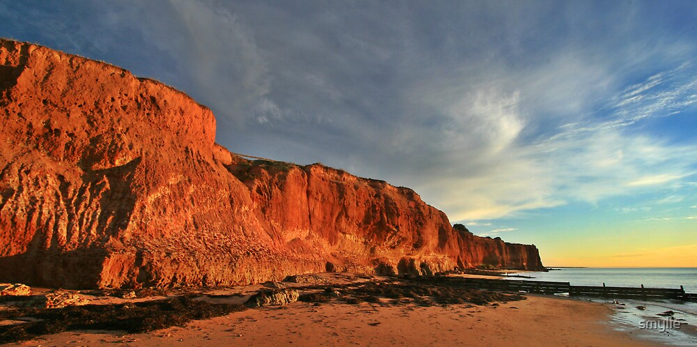 Ardrossan Cliffs #2 by smylie