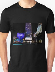 Lit up for the G20 meeting in Brisbane T-Shirt