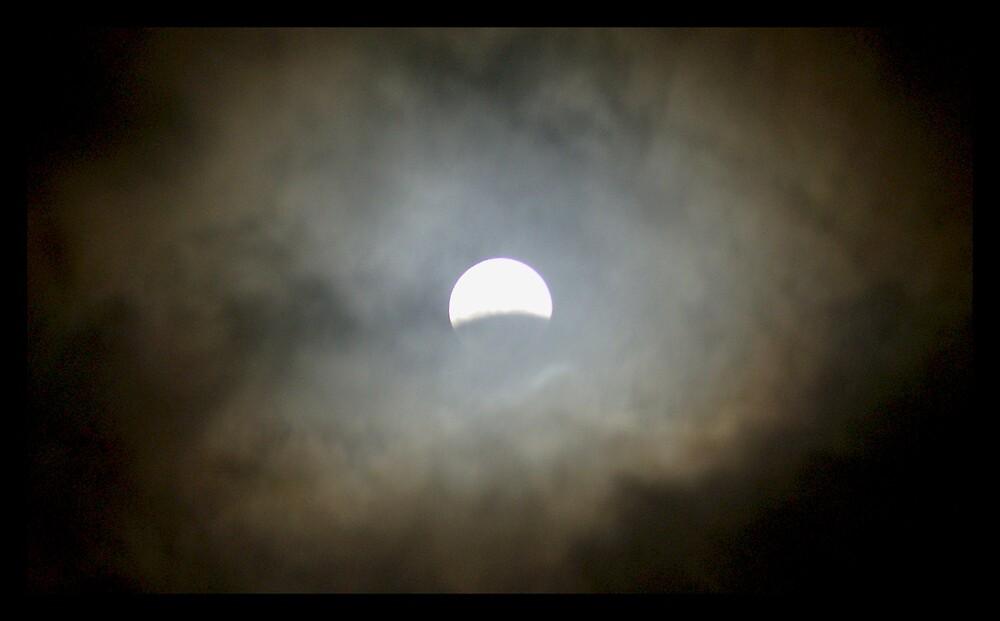 Lunar Eclipse Halo by Jenni77