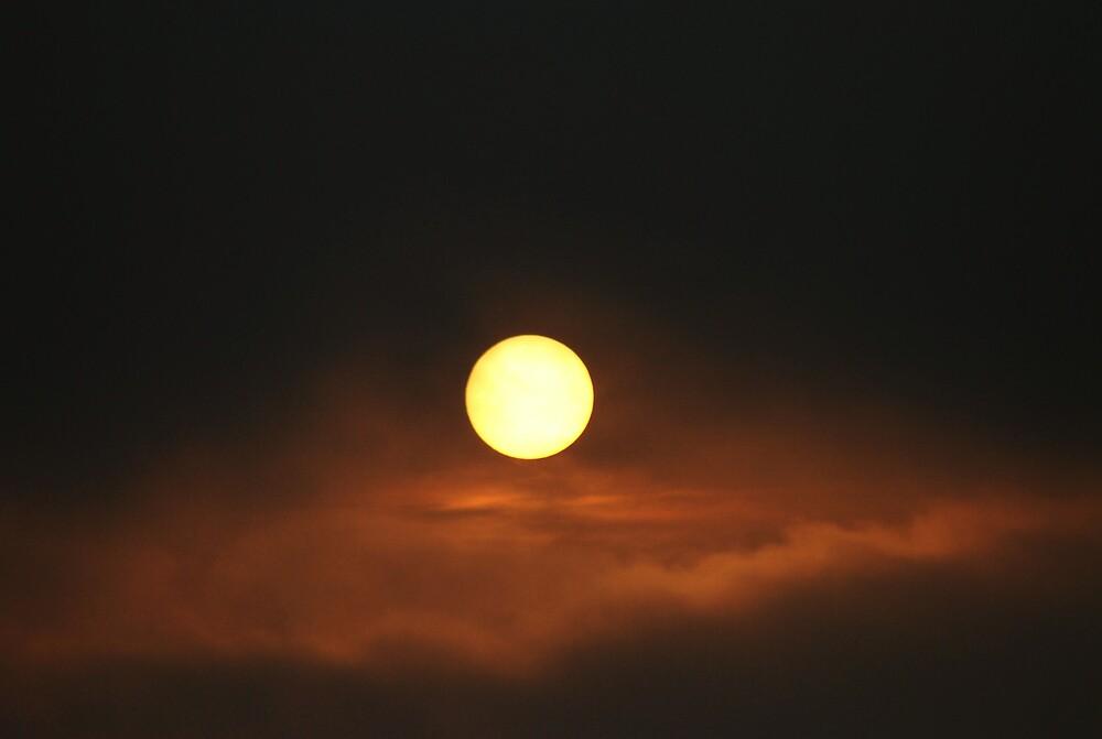 HYPNOTIC SUNSET by kevman