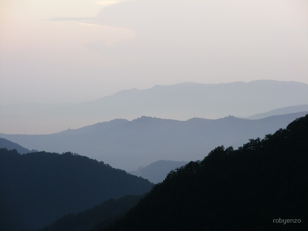 Hills in the morning by robyenzo