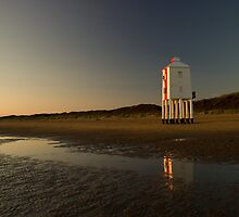 Burnham-on-sea 'low' lighthouse. Sunset. by Rob Corbett