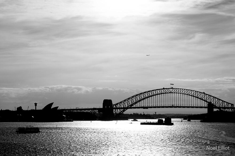 Sydney Sunset by Noel Elliot