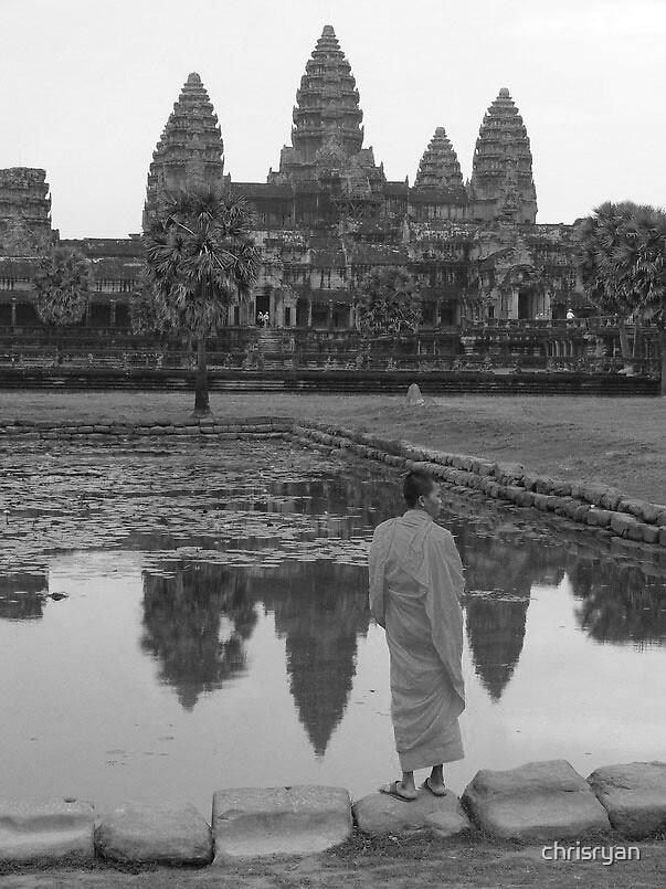 Monk Angkhor Wat by chrisryan