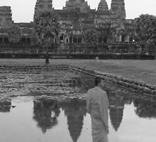 Monk Angkhor Wat by chrisryan