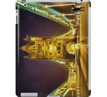 Tower Bridge at night  iPad Case/Skin