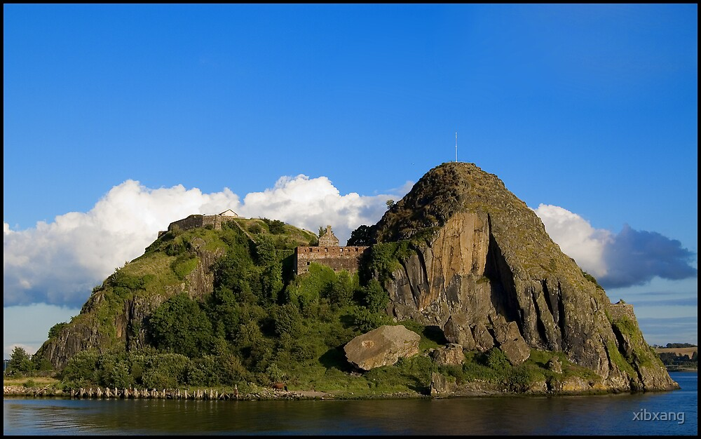 Dumbarton Castle by xibxang