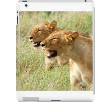 DOUBLE TROUBLE - The lionesses - Panthera leo iPad Case/Skin