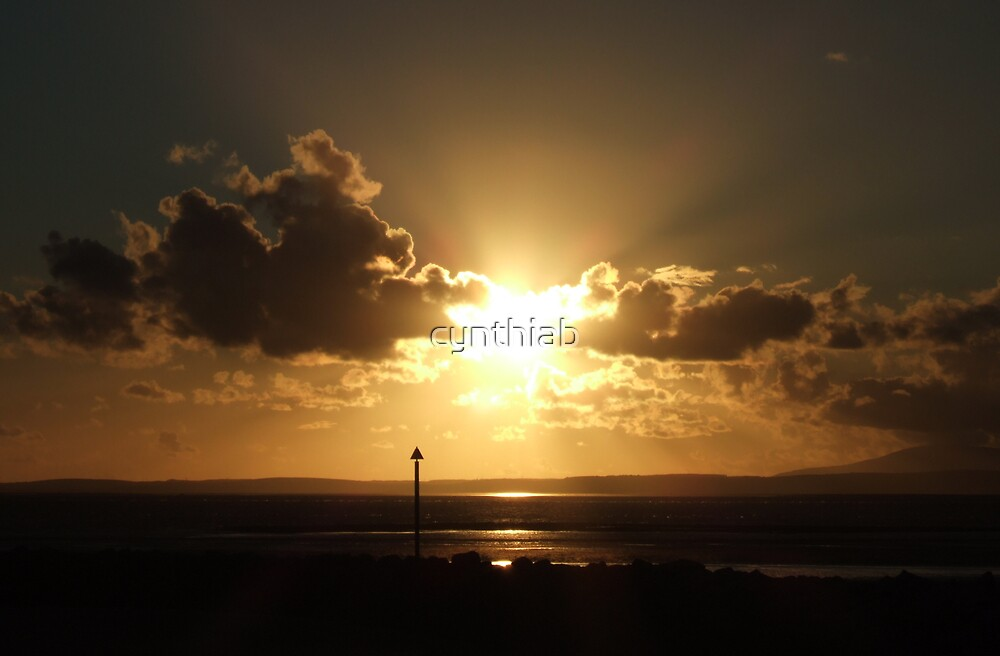 morecambe sunset by cynthiab