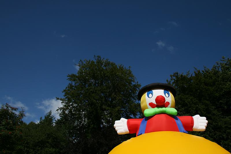 Super Happy Fun Clown by Dave Pearson