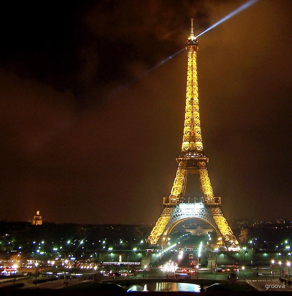Eiffel Tower by Night by groova