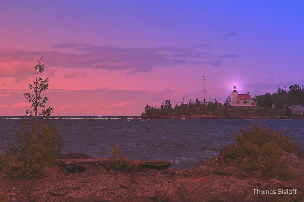 Superior Lighthouse. by Thomas Sielaff