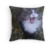 Shouting cat! Throw Pillow