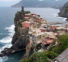 Vernazza, Cinque Terra by RosemaryO
