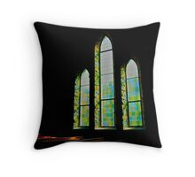 I shall light your darkness Throw Pillow