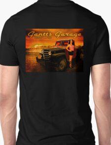 Jeeping Bettie at Gantt's Garage T-Shirt